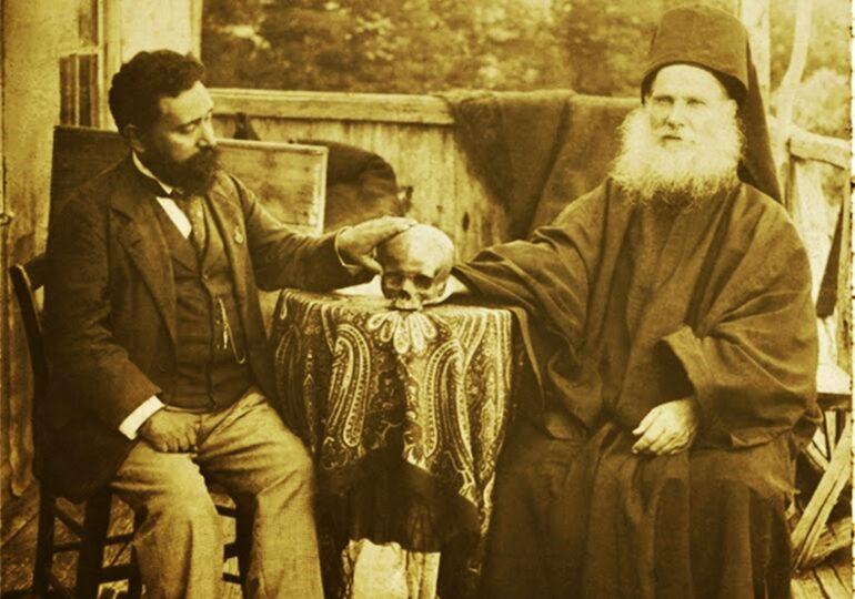 1901 – ΑΓΙΟΝ ΟΡΟΣ: Στα χέρια του πρώην Καρπάθου και Κάσου Νείλου η κάρα του Αγίου Νικοδήμου του Αγιορείτου