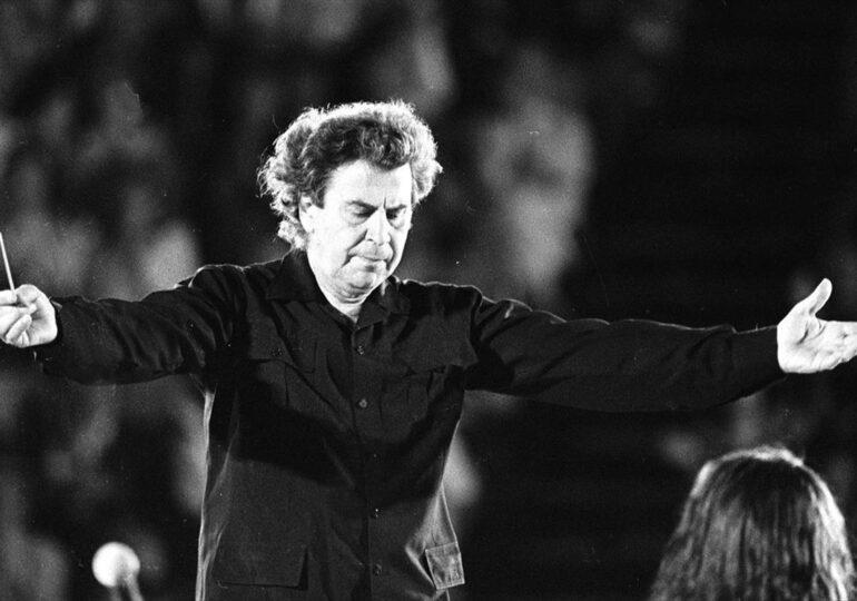 """Γιώργος Χατζηκουτσός: """"Η Ελλάδα βουβή πενθεί...Μίκη... Αθάνατος..."""""""